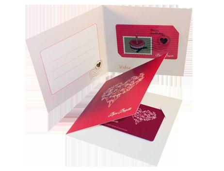 Verpackungen für Plastikkarten: Einfache Klappkarte mit Stanzung für Karte