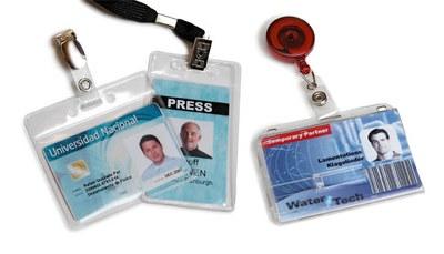 Kartenhalter für Ausweiskarten - Hüllen zum Schutz und zur Befestigung von Plastikkarten