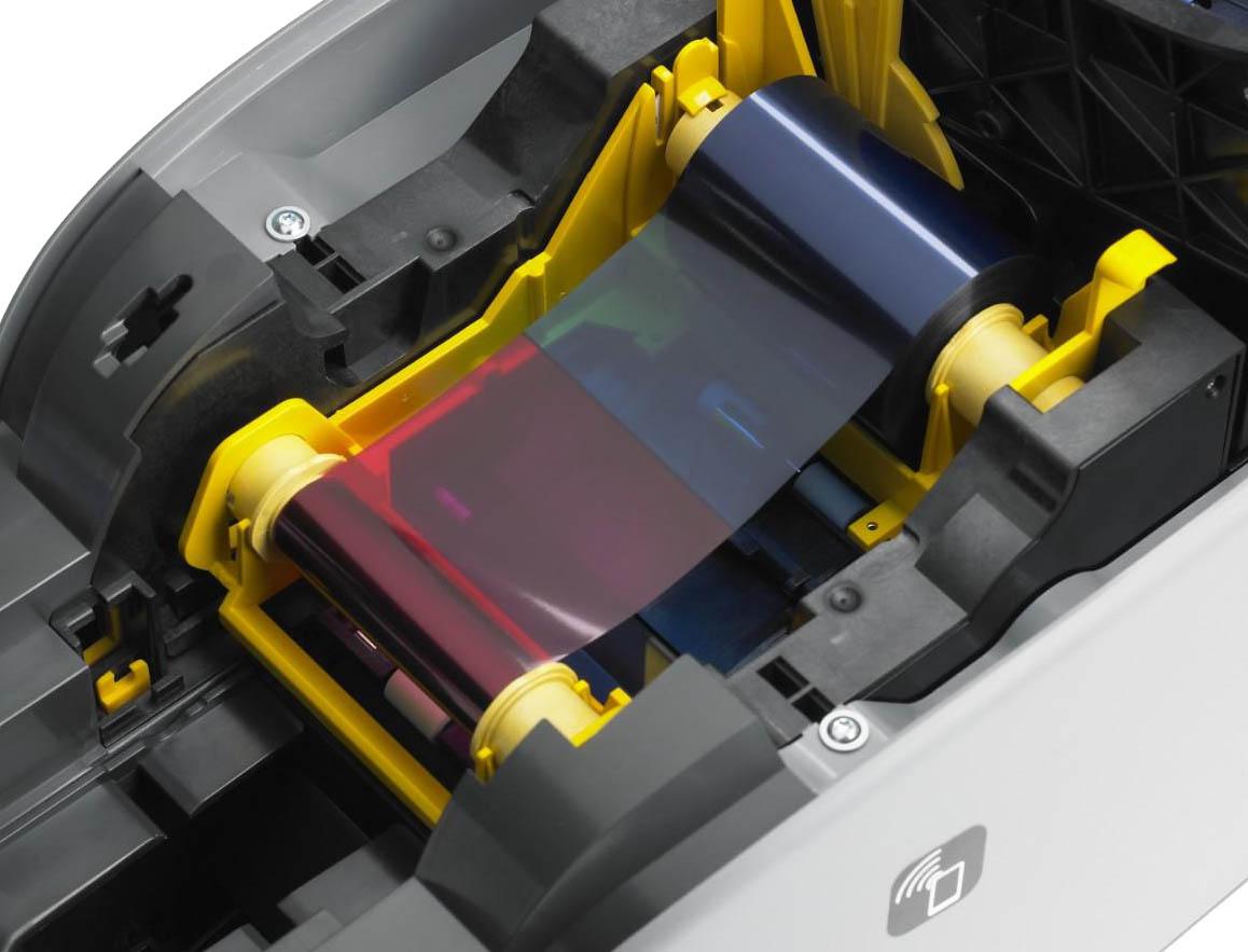ZXP Series 1 geöffnet Farbband.jpg